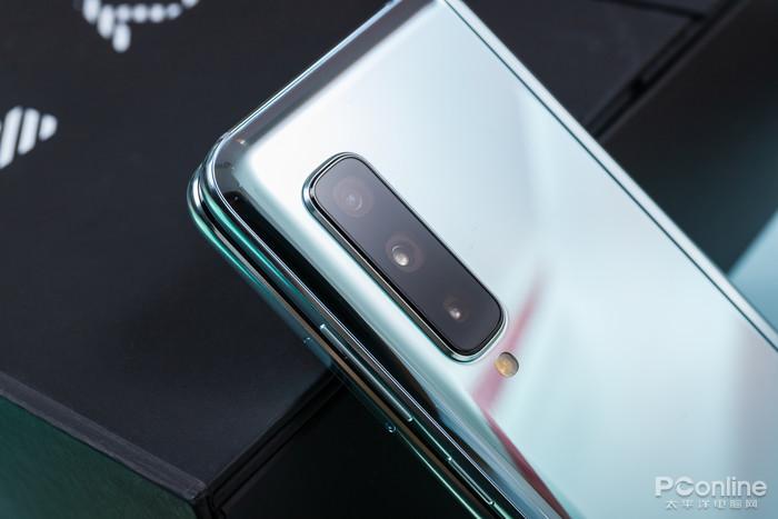 """三星Fold详细评测:未来手机形态的""""惊""""艳首秀"""