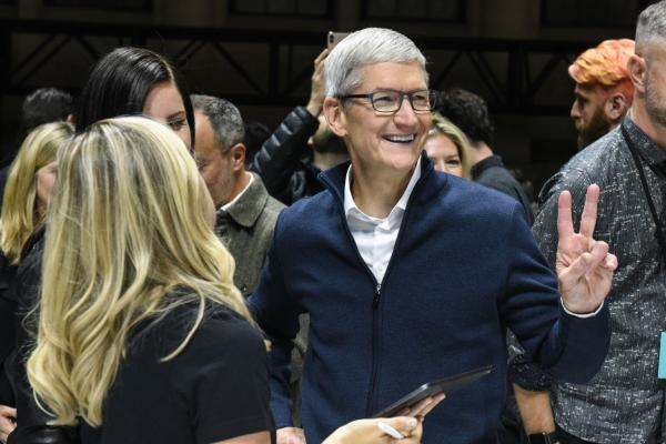 苹果争夺5G赛道:还将独傲群雄,万亿美元触手可及