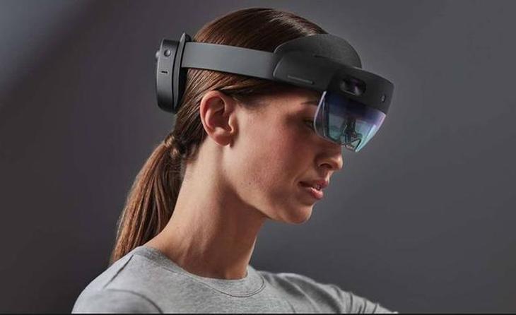 黑科技!微软HoloLens 2空间传送