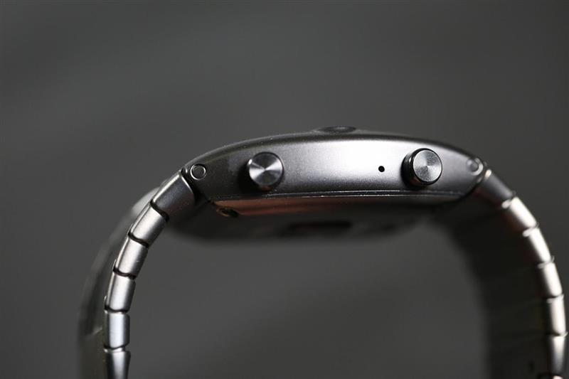 激进折叠屏 努比亚腕机阿尔法评测:钢铁侠的技能被它实现