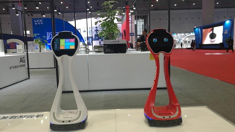 """小船互动张力心:服务机器人应注重""""工具化"""",并正确上岗"""