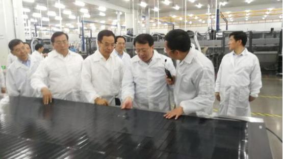 山东省省长龚正考察淄博汉能薄膜太阳能电池项目