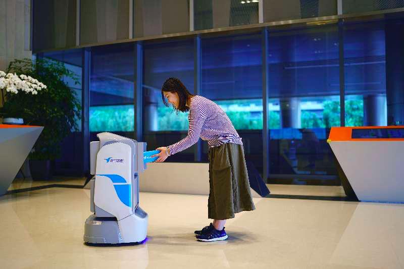 蜂鸟三大场景布局无人配送 机器人已完成56万单配送任务