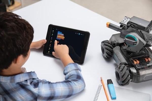 大疆推首款教育机器人RoboMaster S1,可在线学习编程知识