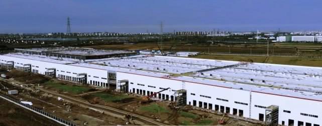 特斯拉上海厂建筑基本完工,开始安装生产线