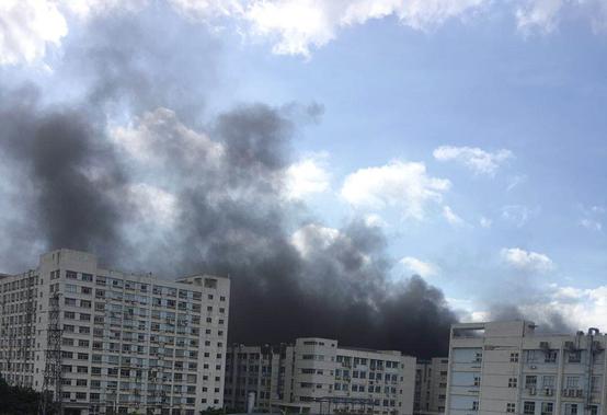 突发!比亚迪总部起火,办公人员被紧急撤离