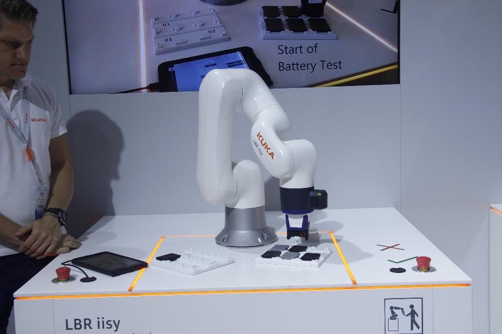 KUKA機器人如何助力中國3C行業發展?
