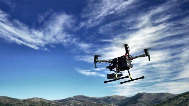 自主无人机帮助消防员更有效地应对森林火灾