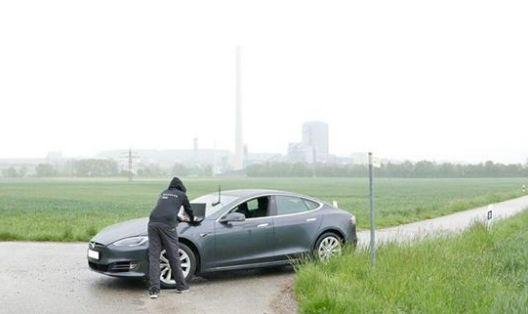 特斯拉GPS系统可被攻击:自动驾驶又不安全了!