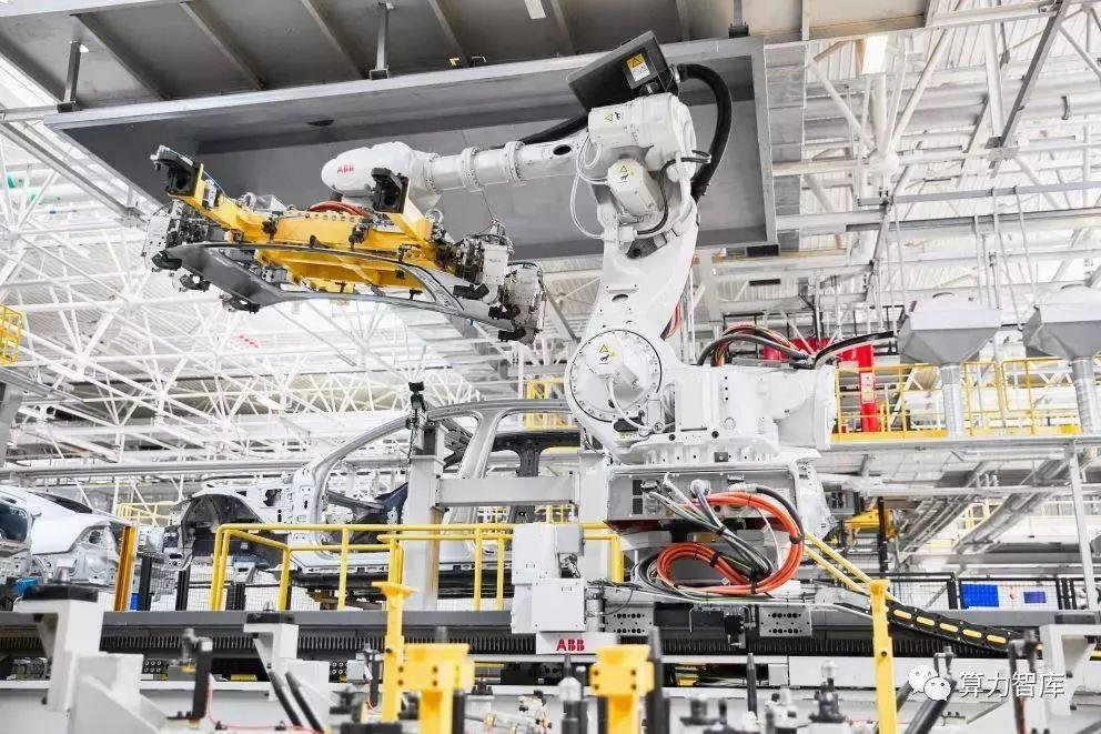 协作机器人从工厂走向服务 智能制造弯道超车机会在即
