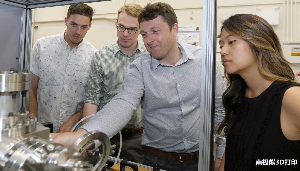 LLNL研究人员使用X射线成像来研究金属3D打印部件的缺陷