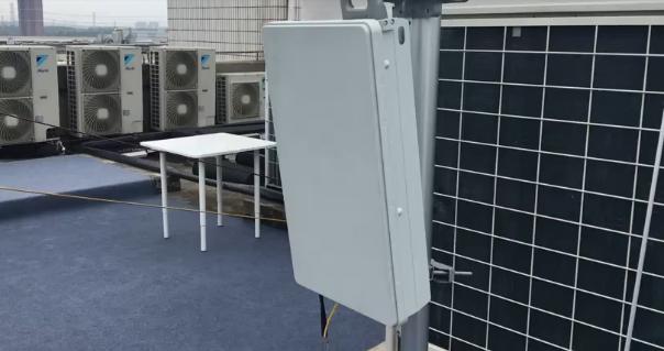 直面5G基站:大小如行李箱,辐射强度竟超乎我们意料