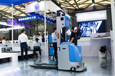 现场直击|仙知机器人实力亮相AMTS,精彩呈现汽车智能产线物流解决方案