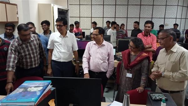 印度第一颗CPU横空出世:八大系列 软件开发启动