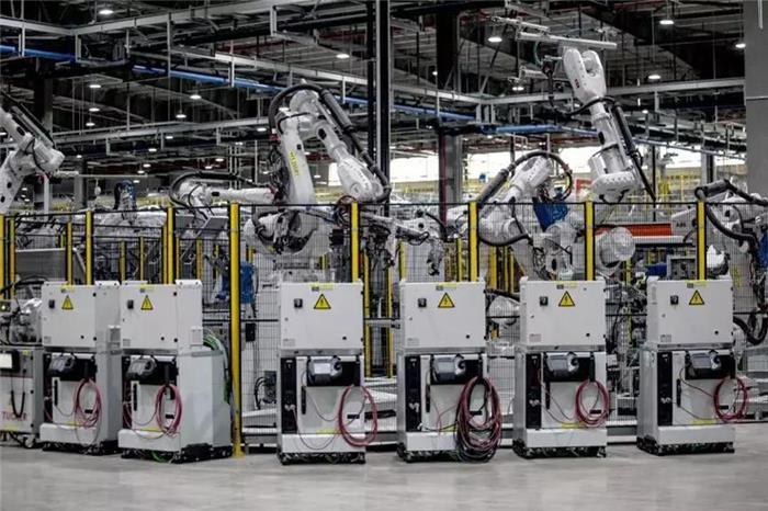 电动化未来中的机器人角色