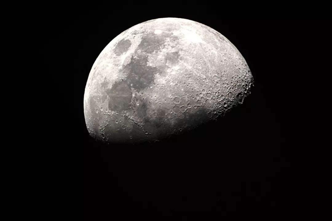 嫦娥五号将通过AI在月球正面软着陆,还会自动铲取土壤和打钻取岩芯