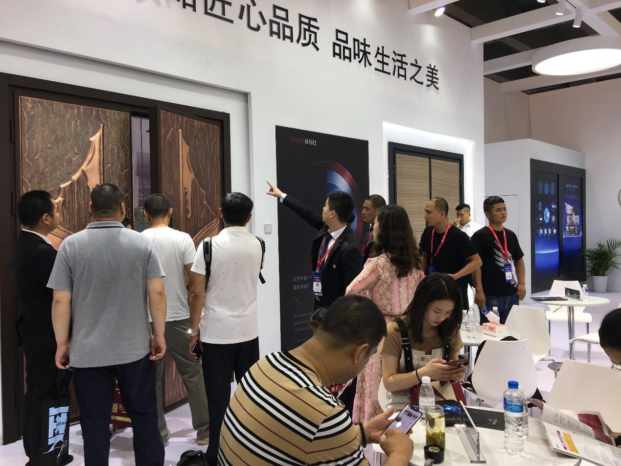 聚焦2019广州建博会,SUIS菲马仕智能门诠释科技魅力