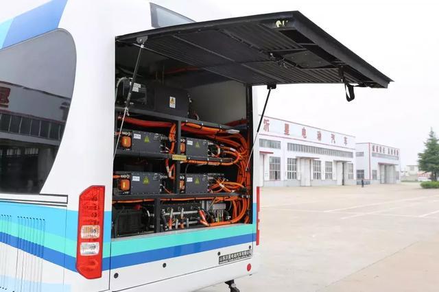 百公里耗氢5kg,续航300km!沂星电动氢能客车交付
