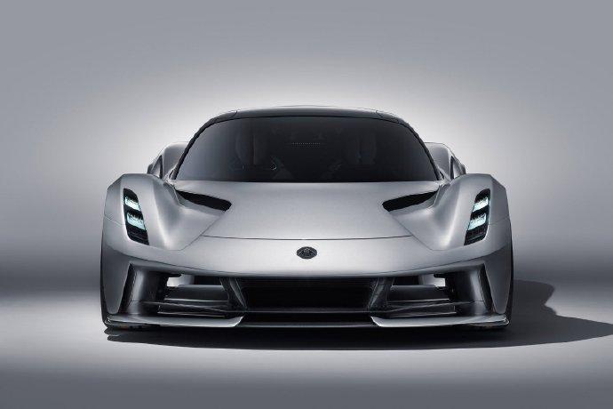 吉利带来纯电动超跑,2000匹马力的Evija,你还嫌弃电动车吗?