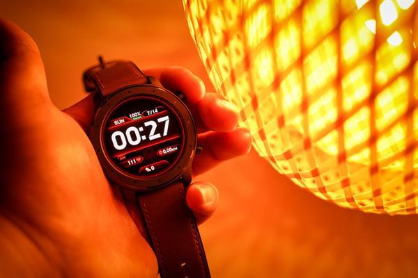 """一整天""""零""""耗电 华米AMAZFIT GTR智能手表上手"""