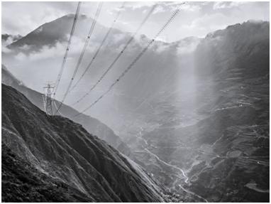 巡检川藏电网:无人机如何应对高海拔极端环境考验?