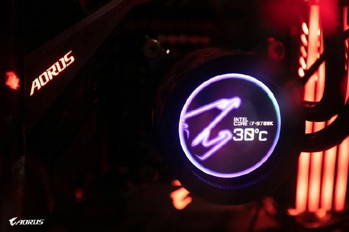 技嘉发布首款水冷散热器:LCD屏可显示温度信息