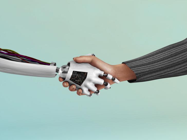 你愿意被机器人取代,还是另一个人类?