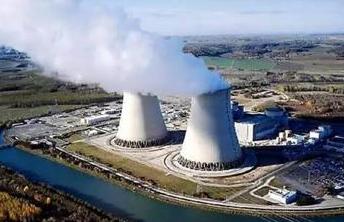 光伏发电对比煤电、水电等更清洁、环保