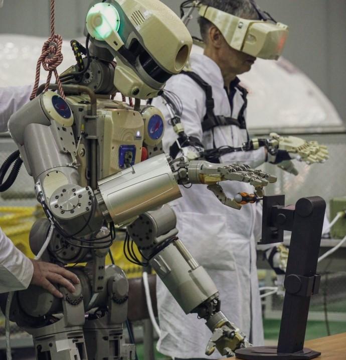 """俄罗斯将向国际空间站运送一个机器人,用来测试 """"太空专用拟人系统"""""""
