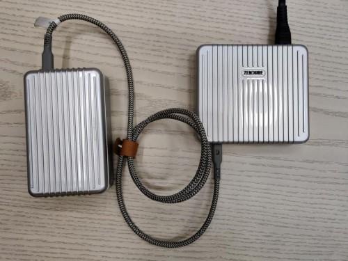苹果新品电池不够用?SuperTank大容量移动电源震撼来袭