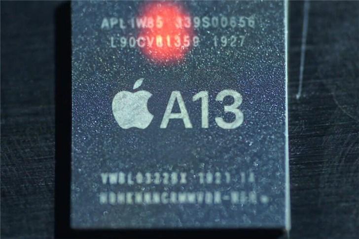 iPhone 11发布会苹果首次对比华为