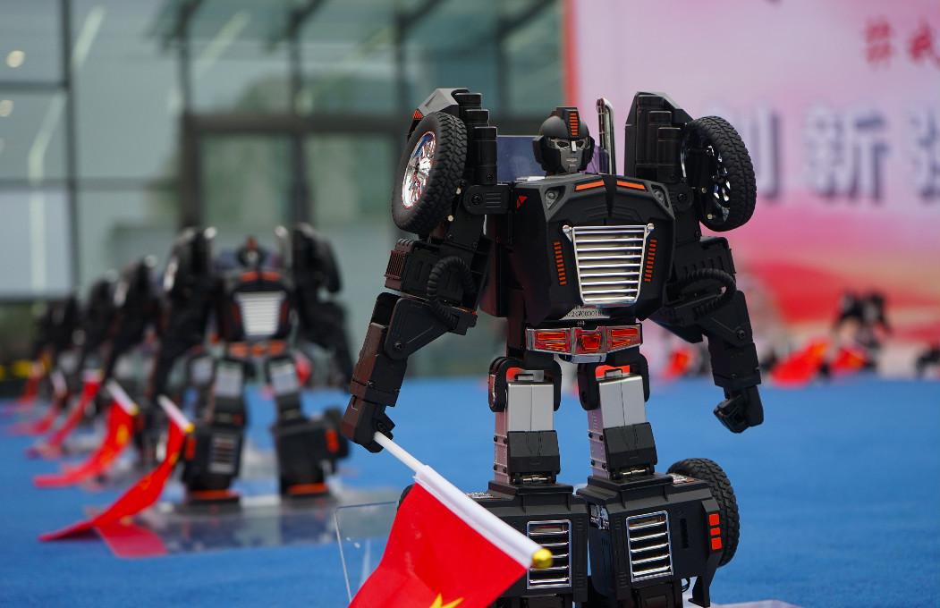燃爆!70个星际特工机器人集体舞蹈秀,为新中国成立70周年献礼