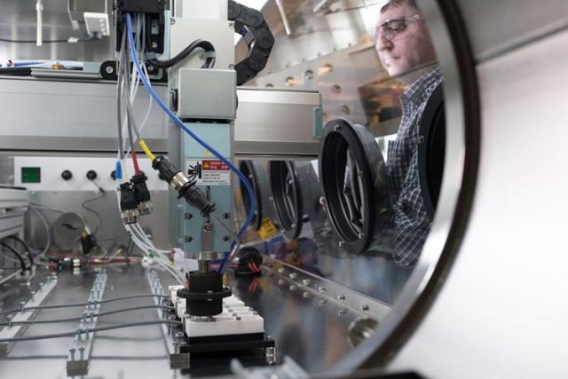 CSIRO携手Piotrek研发新一代固态锂电池