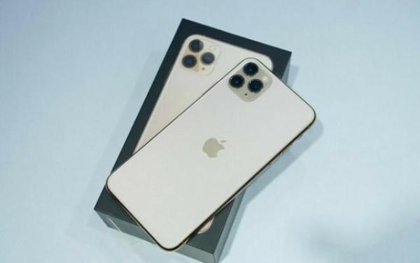 回不去的iOS 12和尴尬的iOS 13,你会怎么选?