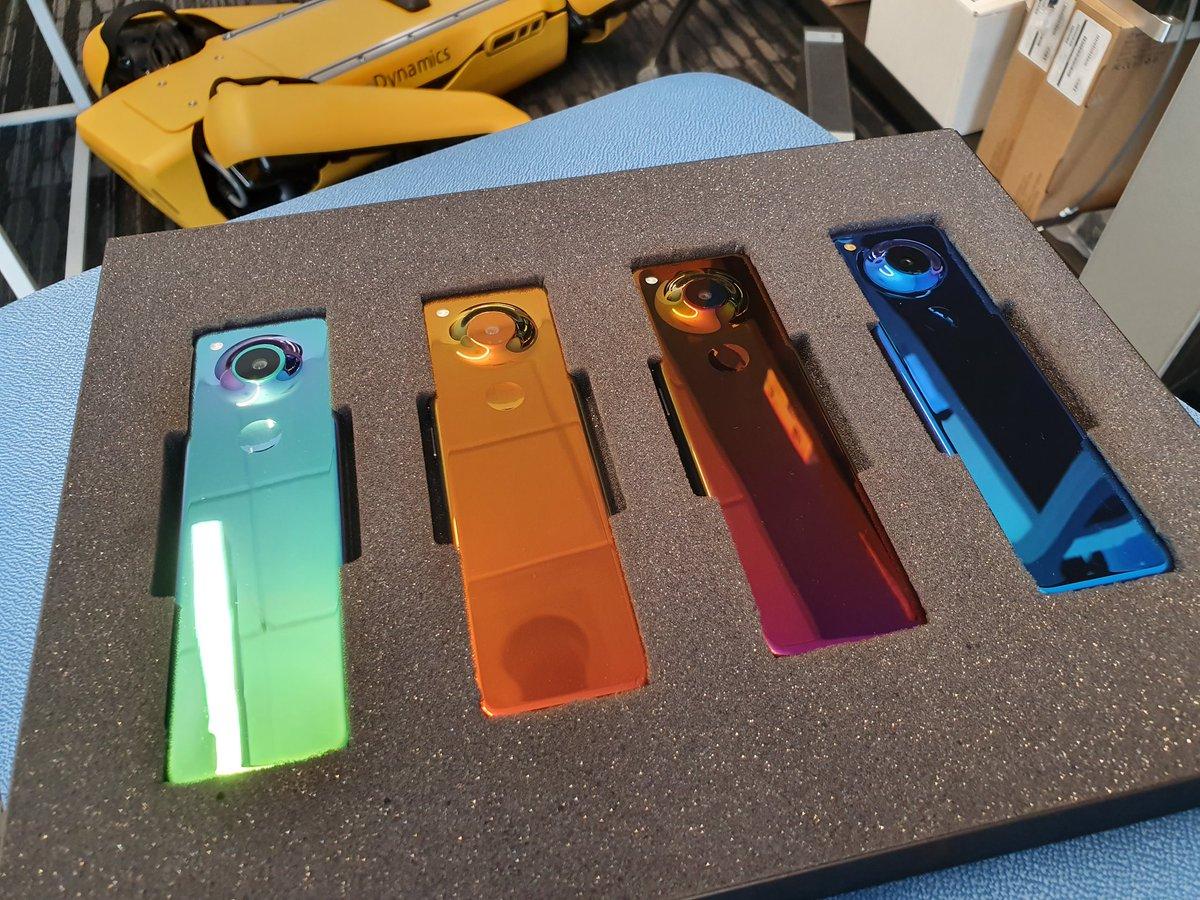 下一代 Essential Phone?Andy Rubin 分享遥控器式设备图片