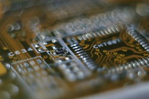 芯片 A 股仍在努力,谁有可能踏入千亿市值大门?