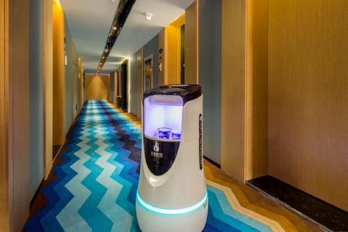 首家英卓未来酒店开业,全面实现人脸识别入住智能酒店