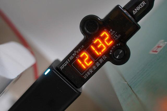1万毫安时PD移动电源对比:ZENDURE和ANKER孰强孰弱