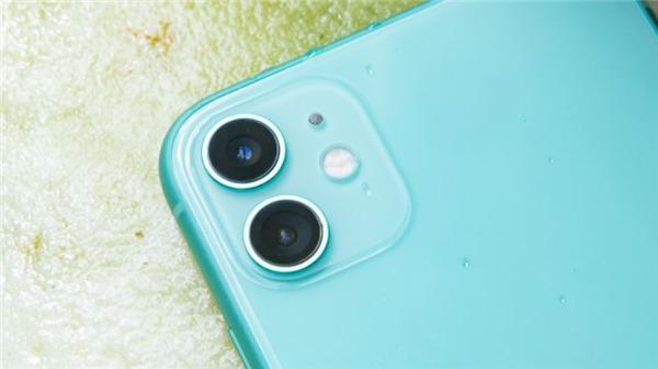"iPhone 11全方位对比Pixel 4:谁将赢得""平价旗舰手机""PK大站?"