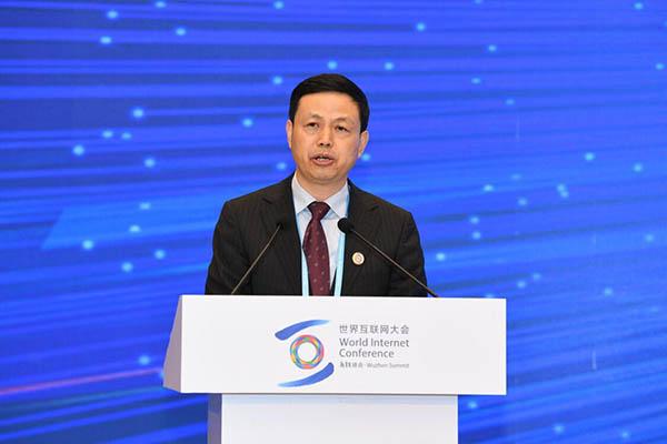 中国移动董事长杨杰:5G是智慧社会必备基础设施
