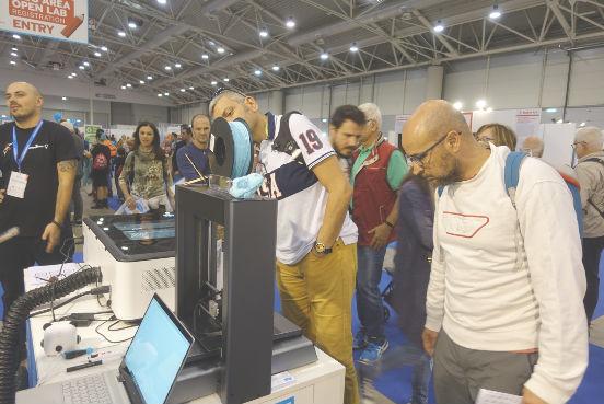 童心制物(Makeblock)在意大利2019 Maker Faire海外首发3D打印机mCreate
