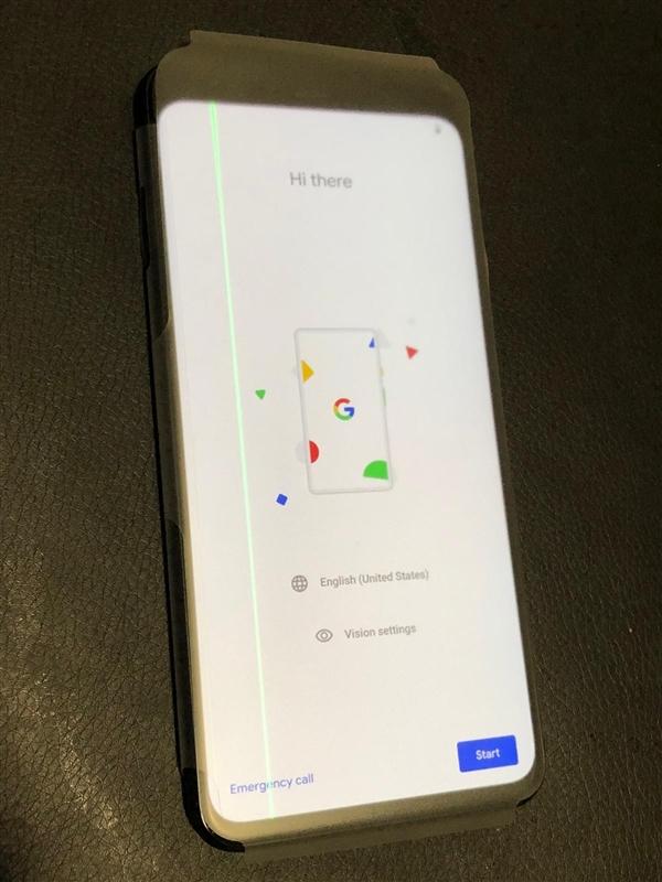 谷歌Pixel 4 XL屏幕出现绿线条纹