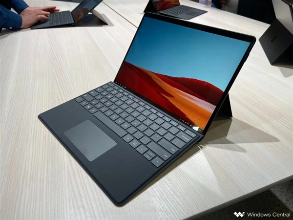 微软Surface Pro X上市:搭载定制芯片SQ1 7000元起
