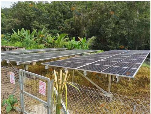格瑞士马来西亚4MW铝合金光伏地面工程
