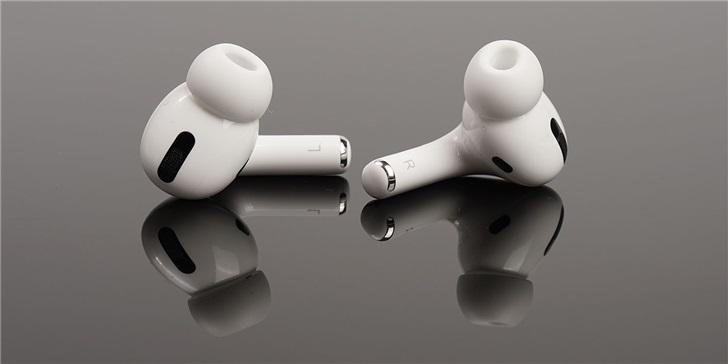 未来苹果AirPods或将变得更聪明,可放大人声