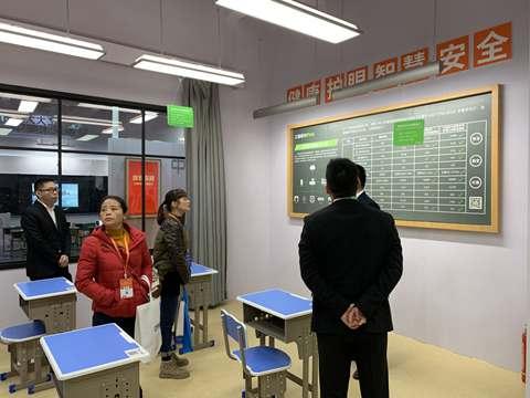 三雄极光:教室照明可不是只看照度计算