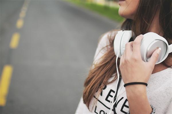 华为头戴耳机预计明年推出 技术领先别人