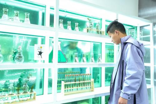 三雄极光光影灵感实验 燃爆广州设计周
