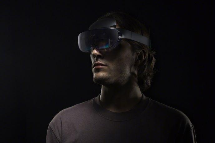 OPPO推出首款AR眼镜,可实现三维重现