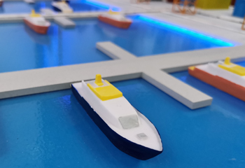 阿姆斯特丹港用无人机检查船舶深度